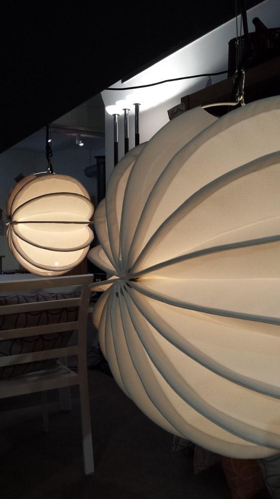 Der wetterfeste und robuste Lampion Barlooon - bei Garpa in Zürich in der Schweiz in der Ausstellung.