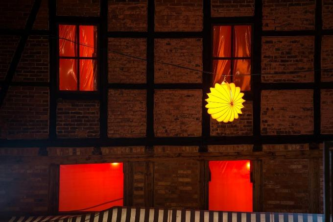 The weatherproof and robust lampion Barlooon in yellow at Hotel Theophano in Quedlinburg.