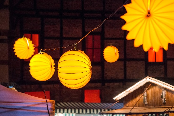 The weatherproof and robust lampion Barlooon during Advent in the courtyards in Quedlinburg as lighting.