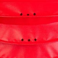Der wetterfeste Outdoor Lampion Barlooon in rot in der Grösse L - Die Regenabflusslöcher.