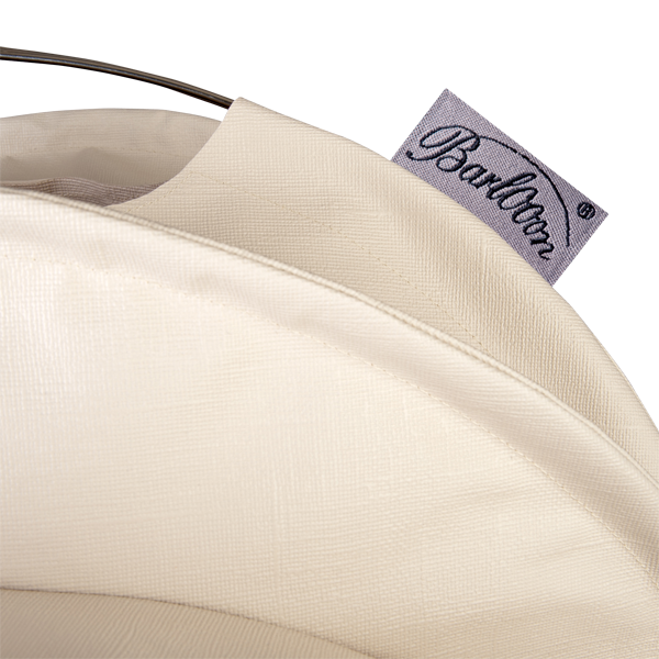 The weatherproof Outdoor Lampion Barlooon in cream in size S - The Label.