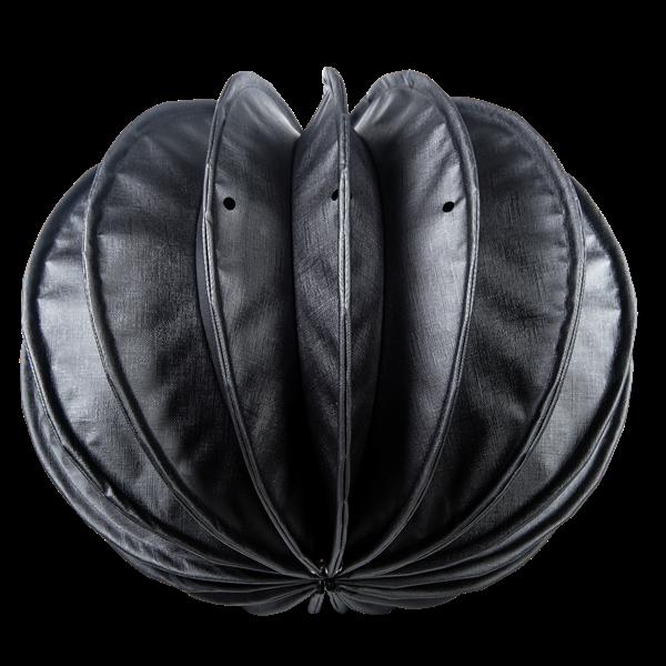 Der wetterfeste Outdoor Lampion Barlooon in der Dark-Edition in schwarz in der Größe S von unten.