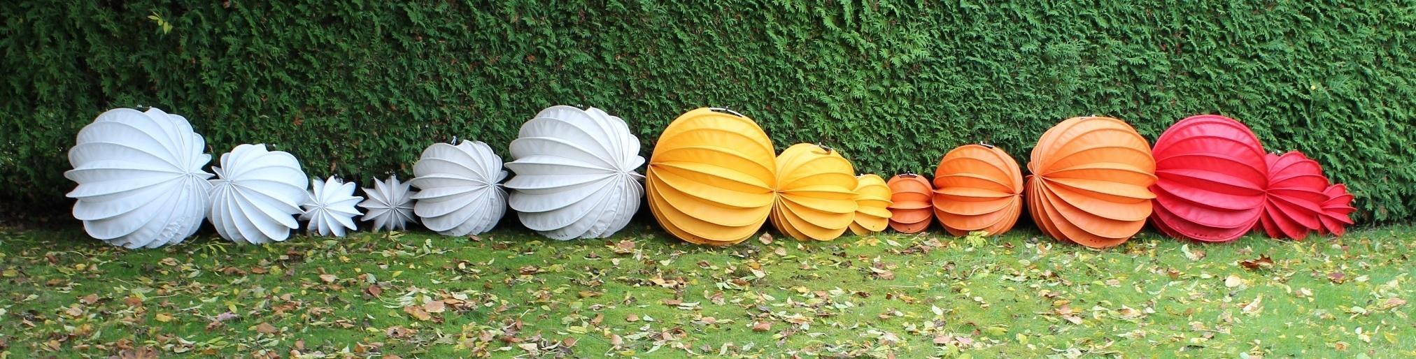 Das ist unsere Barlooon-Collection - die wetterfesten Lampions für den Außenbereich.