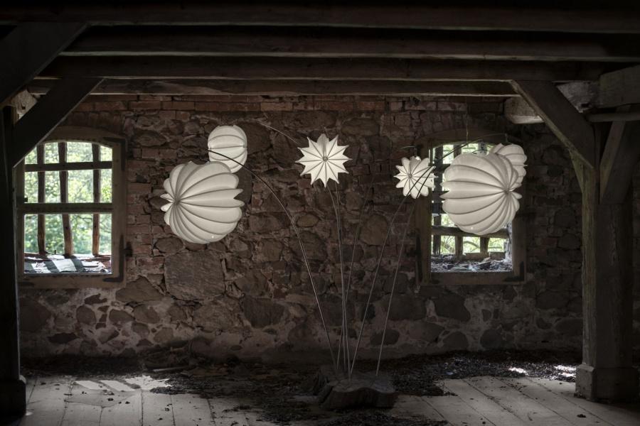Wetterfester und robuster Lampion Barlooon in einem alten Speicher