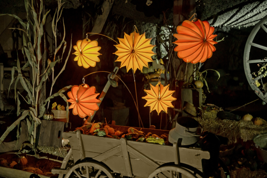 Weatherproof and robust lampion Barlooon in orange and yellow as autumn decoration.